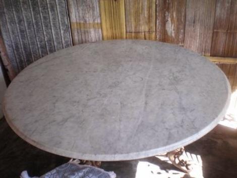 Meja peninggalan Kerajaan Adonara