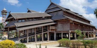 Istana Tua Dalam Loka