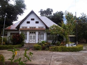 Istana kerajaan Larantuka
