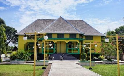 Istana Sambaliung