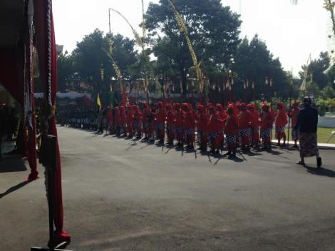 Pasukan bregada Kadipaten Puro Pakualaman bersiap memulai prosesi Jumenengan Dalem..