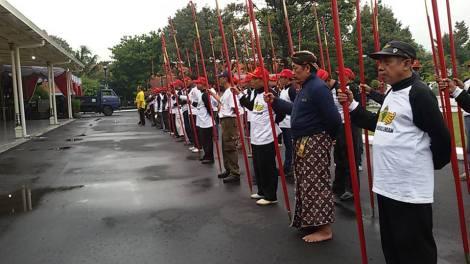 Prajurit Lombok Abang berlatih utk persiapan Jumeneng Dalem K.G.P.A.A. Paku Alam X