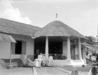 Istana tua Bacan, 1924