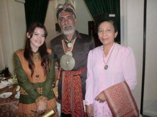 Middle: Usif Robert Maurits Koroh and Ratu Mirah Koroh, King and Queen of Amarasi. July 2012