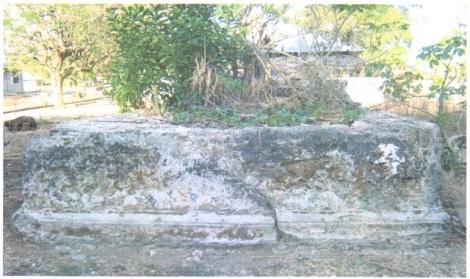 Makam Raja Aku Boli. Raja Baranusa yang diakui Belanda. (darso arif)