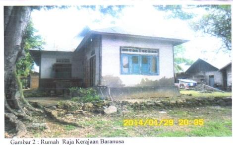 Rumah sederhana keluarga keturunan Raja Baranusa. Bukan Istana bukan Keraton. (darso arif)