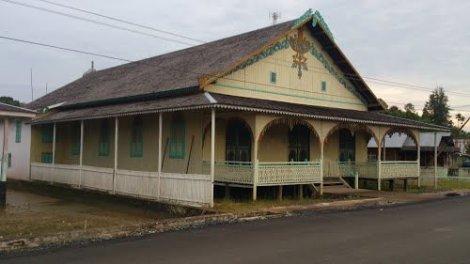 Istana Sadurangas - Kesultanan Paser Belengkong (Museum Sadurangas)