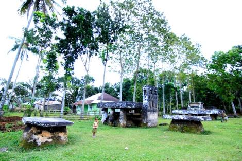 Batu pemakaman megalitikum Anakalang
