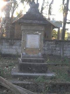 Dengka, Rote - Makam raja kerajaan Dengka. Sumber - Benyamin Ndu Ufi