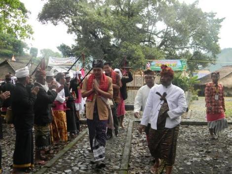 Pejanggik, Lombok - Datu Pejanggik di sambut dengan upacara kebesaran. 2015