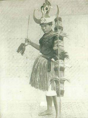 KAREBA ( Umana Baturu ) atau di kerajaan Sigi dikenal dengan nama La Baturu. Panglima perang To Napoe, Abad 18 Masehi.