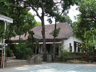 Keraton Gebang, bangunan utama. Click to enlarge.