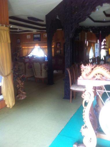 Rumah Baloy, Rumah adat Kerajaan Tidung. Ambir Kiri (Alad Kait), adalah tempat untuk menerima masyarakat yang mengadukan perkara, atau masalah adat.