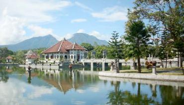 Puri Taman Ujung (Sukasada)
