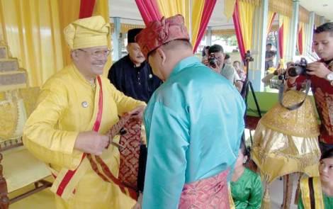 Tengku Nurdinsyah al-hajj gelar Tengku Maharaja Bongsu. Link