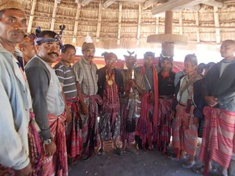 Meeting with the kesel of Beboki. Timor. 2014
