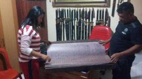 koleksi Alquran besar dari lempengan kayu yang diklaim pusaka Kerajaan Konawe