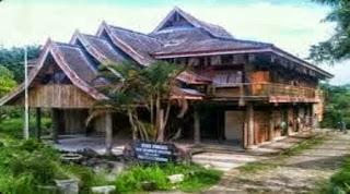 Rumah Adat. Berdirinya Kerajaan Konawe dan Wekoila sebagai Raja I