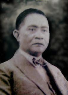 Willem Manuell Pandensolang Mokodompis, Raja kerajaan Manganitu, Kepulauan sangihe