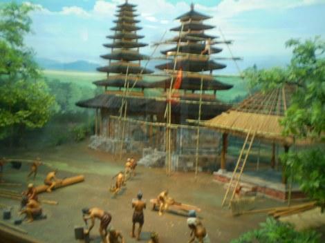 Pembangunan Pura Dasar Gelgel Sumber: http://sejarah-puri-pemecutan.blogspot.co.id/2011/05/sejarah-kerajaan-gelgel.html