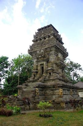 Candi Kidal adalah salah satu candi warisan dari kerajaan Singasari
