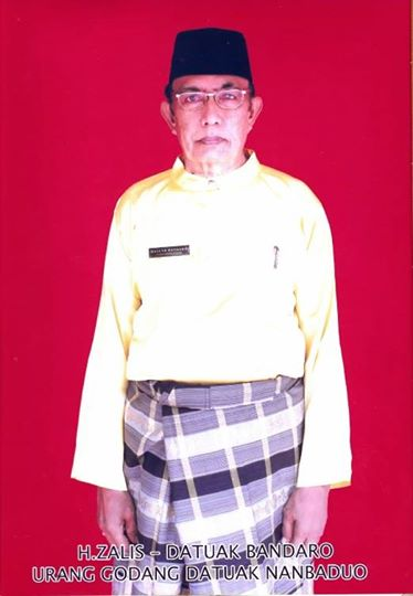 H Zalis; 15th Datuk Bandaro of Singingi. Since 1973. One of the principalities of the Riau area.