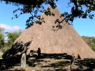 Lamaknen, Timor - Uma Metan Loro Kewar (Rumah atau Istana Raja) Lamaknen