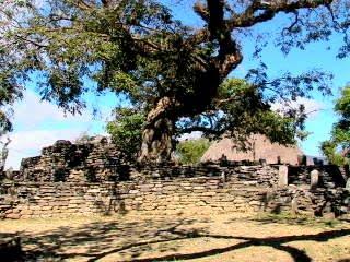Lamaknen, Timor - Uma Metan Loro Lamaknen dan Ksadan Kewar, Belu Utara