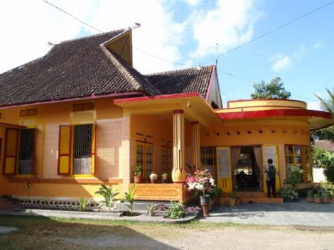 Istana Bala Kuning. Kediaman pribadi Sultan Sumbawa.
