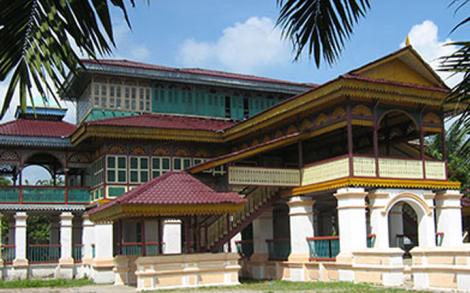 Istana Limalaras