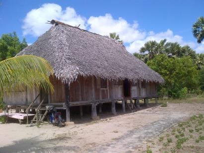 Istana Teni Hawu adalah istana yang ada di pulau Sabu, di Raijua.
