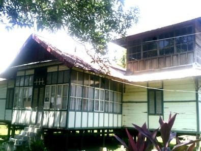 Istana Kerajaan Batulappa yang berlokasi di Bungi Kecamatan Duampanua Kabupaten Pinrang kian memprihatinkan