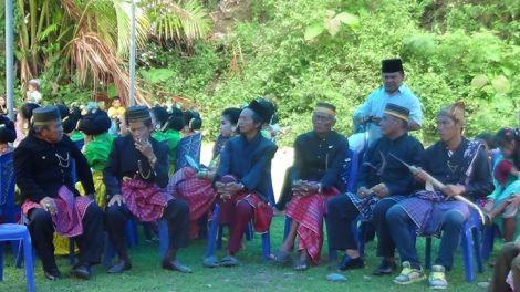 Pihak pappuangang di wilayah kerajaan Sendana saat upacara adat Cakkuriri kerajaan Sendana (Foto - Indra Ariana)