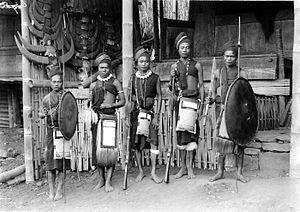 Prajurit Ngada pada tahun 1910-an