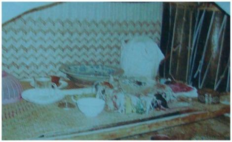 Alat kebesaran kerajaan Sendana / Relics of the Sendana kingdom.