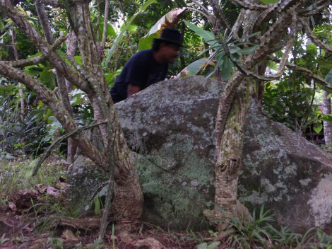 Situs batu sangkur. tempat para prajurit berkumpul dan mengatur strategi perang melawan belanda