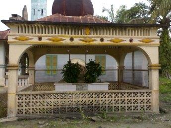 makam Raja Tengku Nong Hamzah raja kerajaan Kampung Radja di Tanjung Medan kecamatan Kampung Rakyat Labuhanbatu Selatan