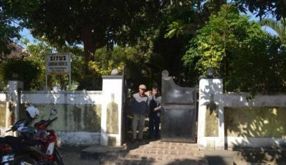 Umpak Songo adalah tumpukan batu berlubang mirip penyangga tiang bangunan yang berjumlah sembilan. Umpak berarti tangga dan Songo berarti sembilan. Situs yang terletak di Tembokrejo, Kecamatan Muncar ini adalah sisa-sisa Kerajaan Blambangan ketika ibukota kerajaan pindah ke Ulupampang (kini Muncar) setelah Blambangan dipecah menjadi dua, yakni Blambangan Barat dan Blambangan Timur, pasca pemberontakan Jagapati terhadap VOC pada Oktober 1772.