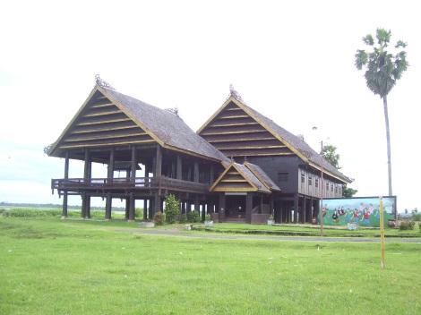 Rumah Adat Atakkae Saoraja La Tenri Bali, di kota Sengkang