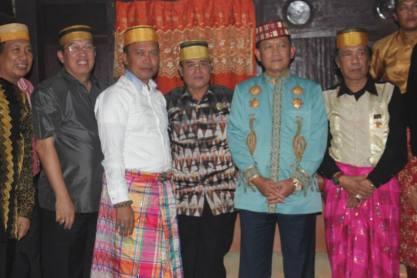 YM Raja Laikang, YM Raja Ma'Rang, Andi haslan Krg Tompo, Raja Binamu, YM Perdana Menteri Kerajaan Sekala Brak dan YM Raja Barombong usai penyerahan Alqur'an kuno berumur 500 tahun yang terbuat dari kulit kayu