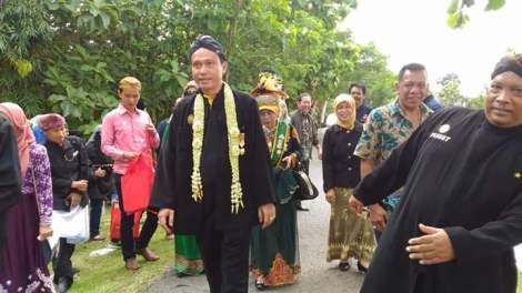 Raja Batik Barlyn ziarah ke makam leluhur dan kerabat dari kerajaan Djipang