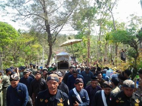 paku - Prosesi pemakaman kunarpa suwargi Sampeyan Dalem KGPAA PAKU ALAM IX, ing kagungan Dalem Hastana Giriganda.