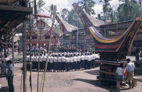 Buntu Kalando, Istana Raja Sangalla