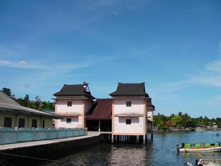 Pelabuhan Pelauw