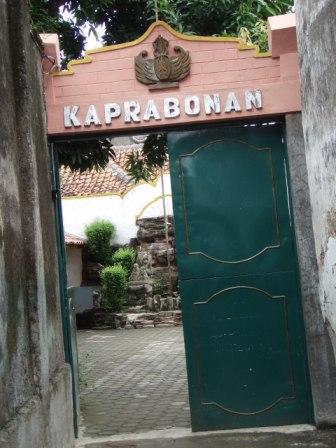 Keraton Kaprabonan.