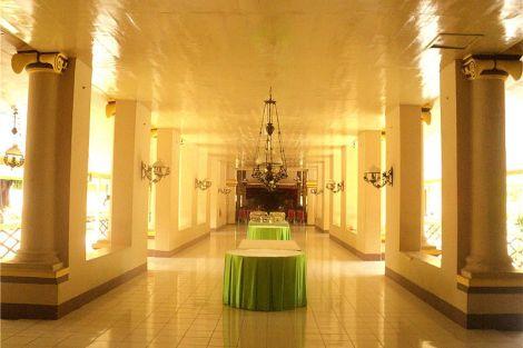 Mandiyoso, salah satu ruang di dalam kompleks Karaton Sumenep yang menghubungkan Karaton Dhalem dan Pendopo Agung