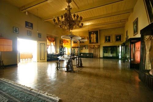 Kedaton Kesultanan Ternate | sultansinindonesieblog.files.wordpress.com