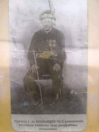 Jogugu Soeradjah Oli-i-important prince of Limbotto,who was a good distriuctruler-at least between 1886-1905.Gorontalo area. aba Golu Gobel, FB