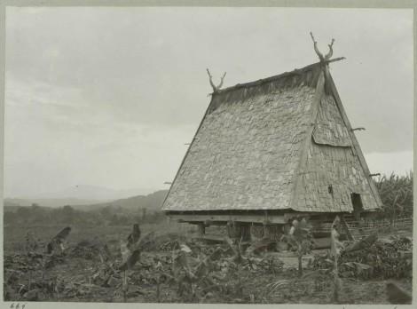 Rumah kepala suku di Watutau