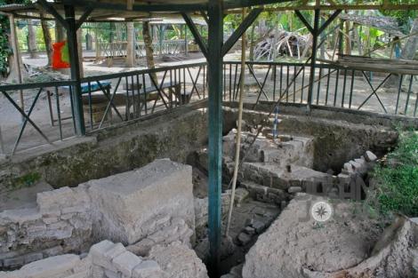 Masjid Agung Kraton Pleret. Struktur bangunan yang terletak di bagian tenggara dari Mihrab masjid Agung Kraton Pleret.